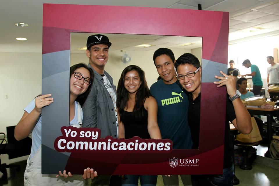 Estudiantes De Comunicaciones 18