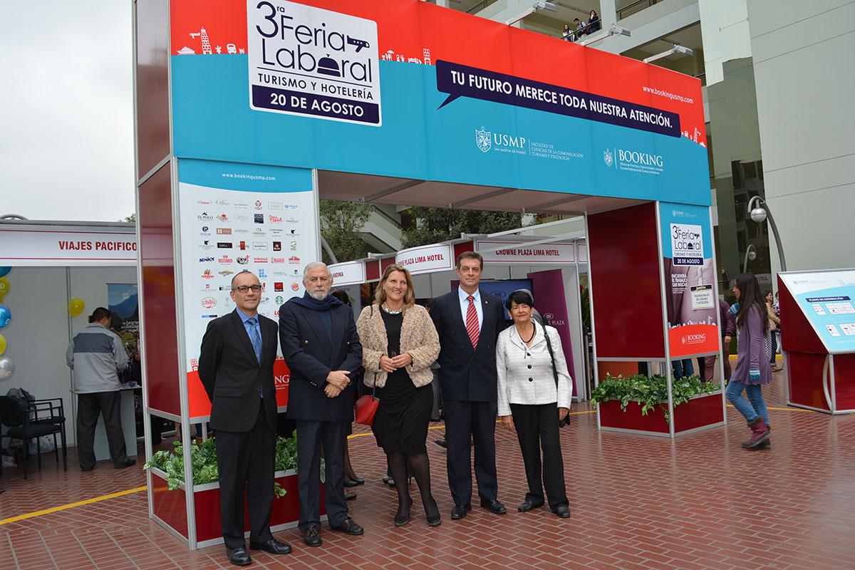 Representantes De La Escuela Profesional De Turismo Y Hotelería E Invitados Presentes En La 3a Feria Laboral De Turismo Y Hotelería De La USMP