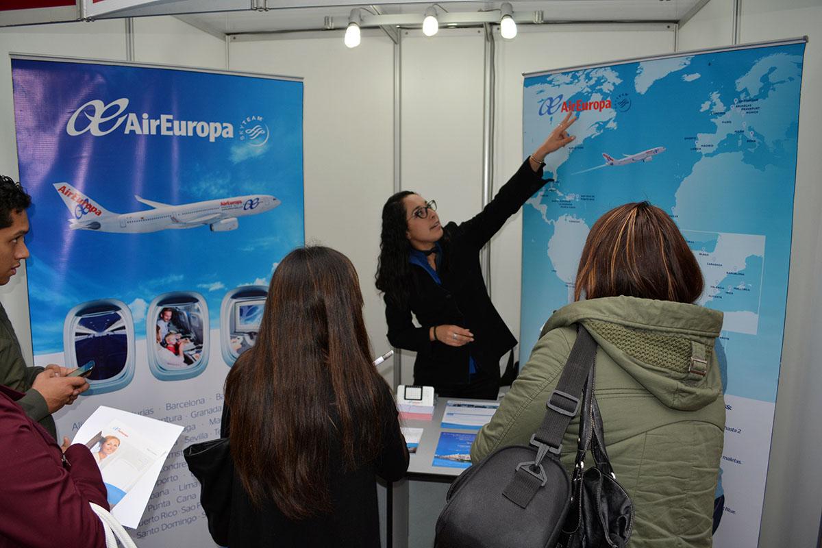 Margina Reyes, Egresada De La EPTH Trabajando En Air Europa