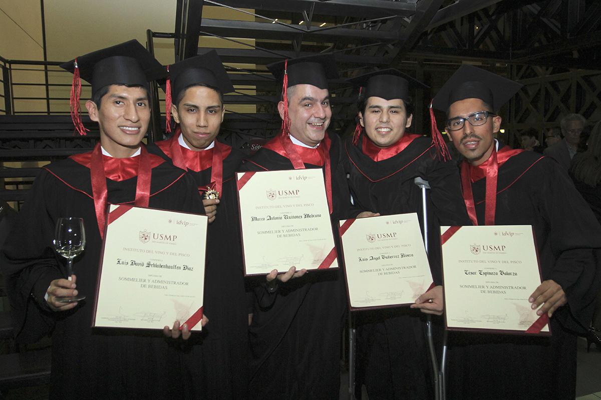 Graduación De Promoción 2015 Del Instituto Del Vino Y Del Pisco