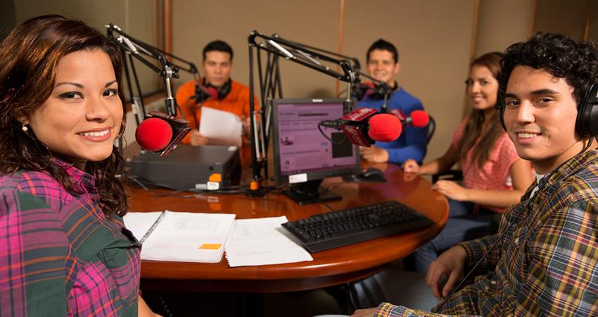 RadioDialNet Anuncia Convocatoria Para Nuevos Integrantes
