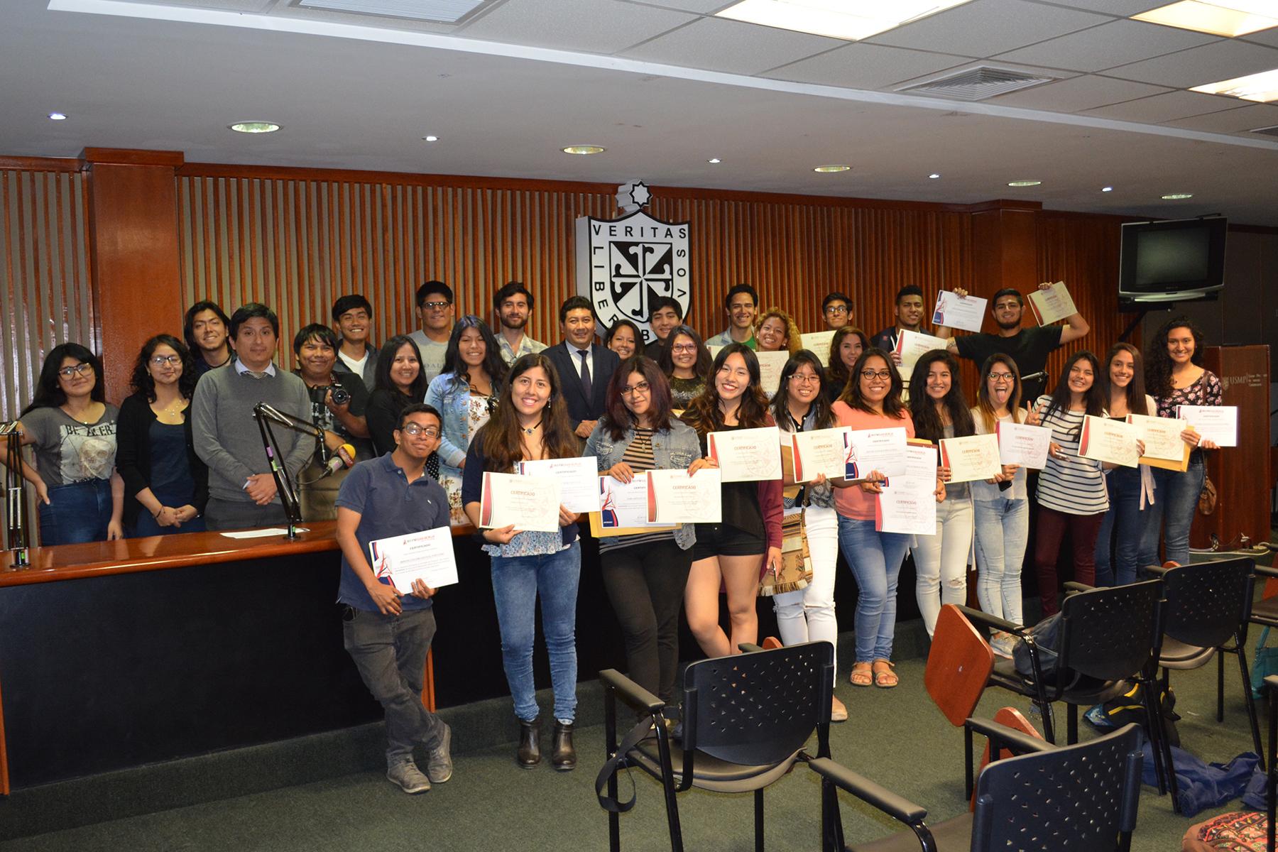 Nuestros Alumnos De Ciencias De La Comunicación Culminan Su Etapa Universitaria