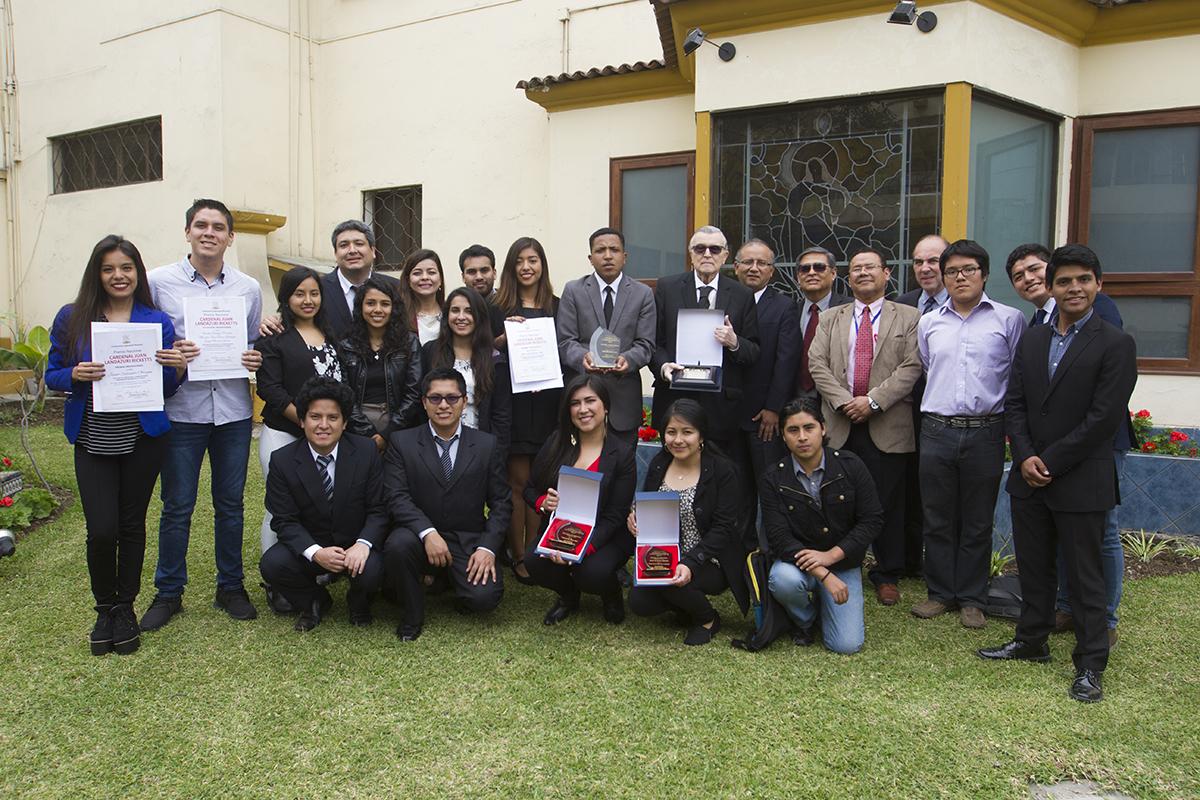 Premio Cardenal Landázuri En La FCCTP