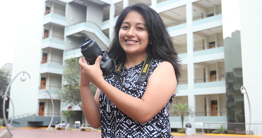 """Jeanet Salvador: """"La Fotografía Es El Mejor Vehículo Para Contar Historias"""""""