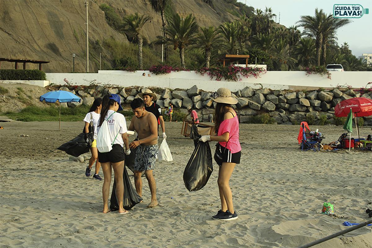Alumnos De La FCCTP Promovieron Limpieza De Las Playas Durante El Verano