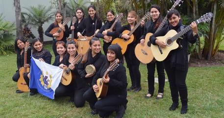 Tuna Femenina Novata De La FCCTP Cumple Destacada Participación En Arequipa