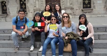 Alumnos De Arequipa Y Extranjeros Del Programa De Intercambio Académico Recorrieron Espacios Históricos Del Centro De Lima