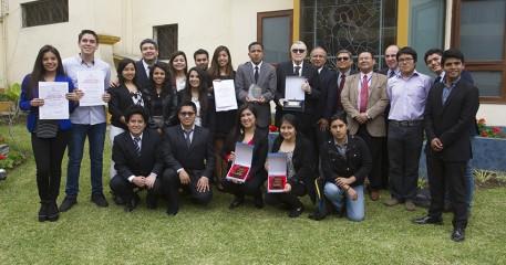 Johan Leuridan Huys Recibe Máximo Reconocimiento De Comunicación Social De La Iglesia Católica En El Perú